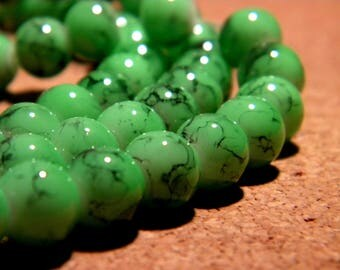 50 speckled - mottled glass beads - 8 mm Mint green or black-PF110
