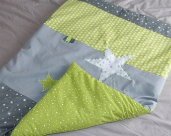 Cover padded 65 x 90 cm lime and grey star