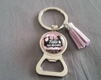 """key ring bottle opener """"Auntie that rocks"""" by lolaclarabijoux REF:DETATA13"""