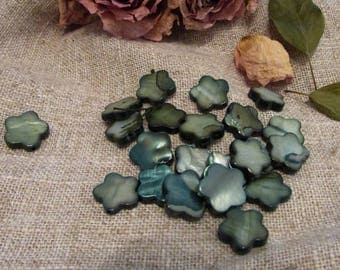 Assortment of haematite flower mother of Pearl 10 mm