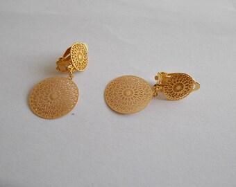 minimalist earrings clips