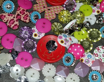 100 buttons fancy, lot of 100 buttons, buttons mixed buttons, melage buttons, haberdashery