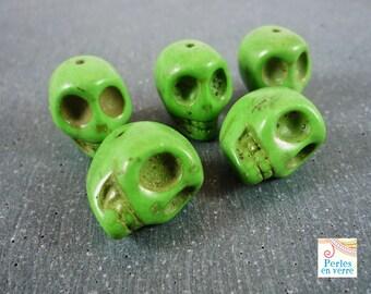 2 beads large green skulls howlite, 18mm (PH6)
