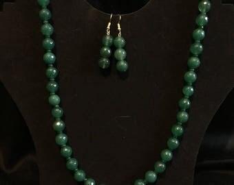 Emerald bead neclace