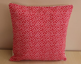 Cushion cover - 24 x 24 cm - pattern petals - red and white