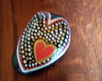 Pebble handpainted, hearts, decoration or paperweight