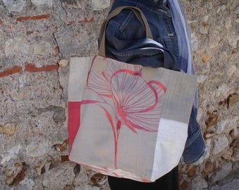 Tote made with 100% beige linen and raspberry