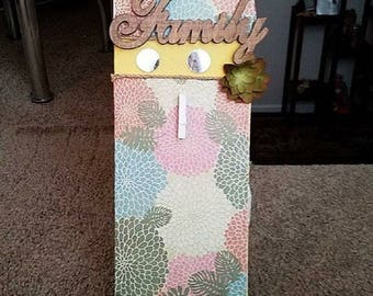 """Wall decor """"Family"""" with picture hangers"""