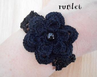 Flower bracelet black with black flower with black crochet cotton.