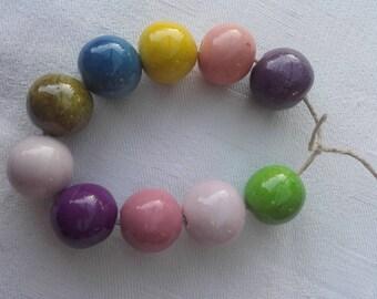 Multicolor ceramic beads