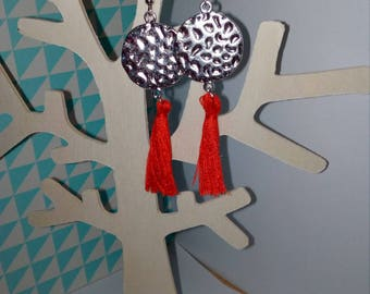 loop earrings hammered round connector and Red tassel
