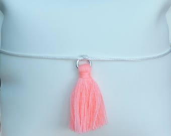Bracelet with knot sliding with tassel