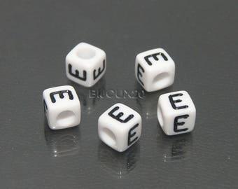 30 beads white cube letter E black acrylic 6mm M03116-E