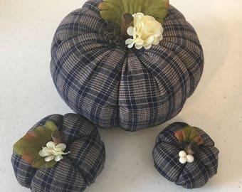 Country Plaid Pumpkins