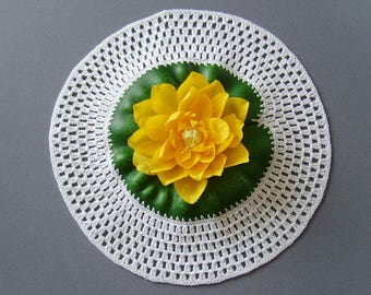 Doily crochet Lily yellow 27cm