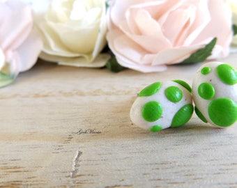 Stud earrings Yoshi's eggs, color green