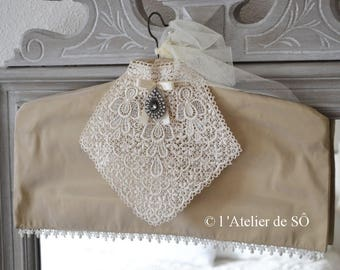 Hanger decorative romantic with its lace jabot collar