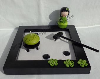 Garden zen kokeshi lime and black