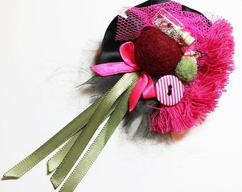 textile brooch 3D blare of the party