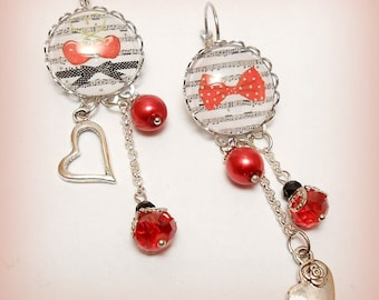 "Cabochon stud earring ""Sheet music and bow!"" chic red earrings"