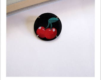 "Fabric brooch, fabric cherry badge ""skewer me"""