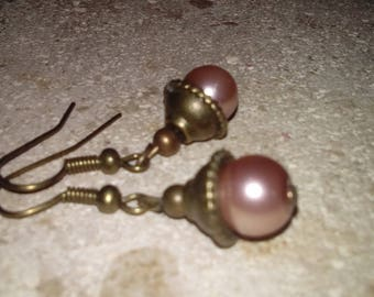 """Fancy earrings, hands, pinky beige mother of Pearl and brass """"Small bronze Pearl"""""""