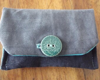Navy/tobacco pouch in blue velvet