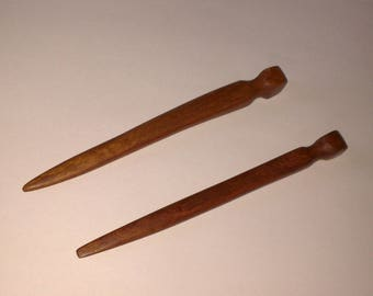 Hair made of wood of Araucaria (sold by two)