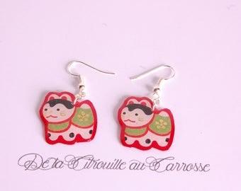 Japanese cat, red earrings