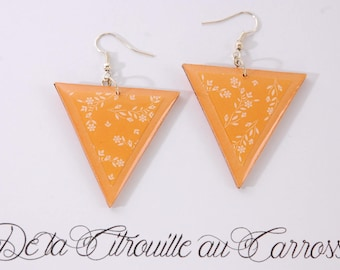 Earrings, small flower, triangle, orange and white