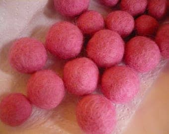 Pearl Merino, pink, felted, felt, felt ball Bead 20mm