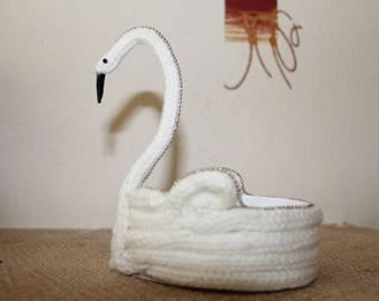 Elegant White Swan in knitting