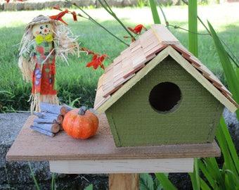 Mrs Scarecrow's Bird Cabin