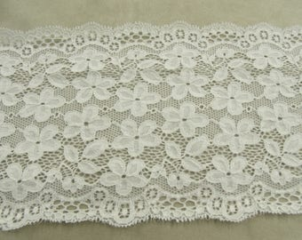 White French CALAIS lace - 16 cm - on embroidered