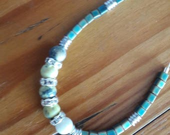 Bracelet in green lemon tones