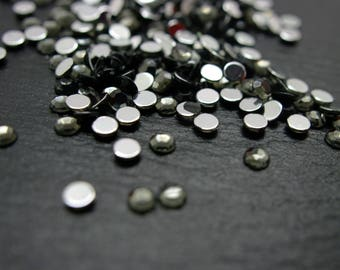 Set of 300 gray rhinestone 4 mm cabochons