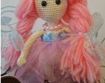She knitted crochet