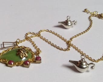 Gorgeous green Kitty necklace