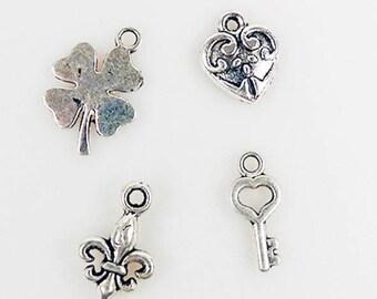 Set of 4 charm's luck theme metal pendants