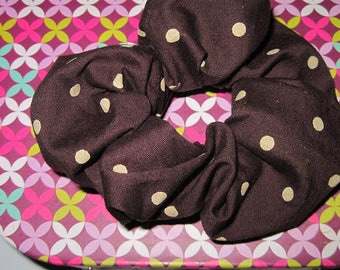 SCRUNCHIE hair color Brown and beige polka dots
