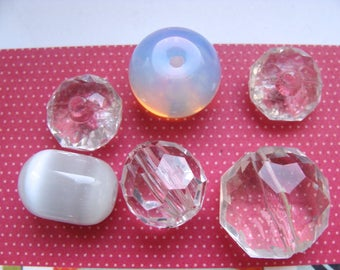 Set of 6 beads - 4 clear plastic faceted - 2 opaque glass