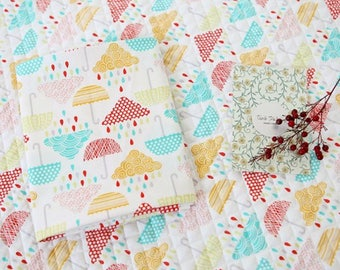 Rainy day Cotton Ready quilted Fabric / Weather / Pre-quilted padded / clouds / rain / BY HALF YARD / free shipping / cloud  fQ311+