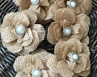 Hessian flowers x 6 for table decoration and crafts in Natural hessian with pearl centre/Weddding Table/ cake decorations