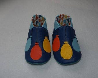 Blue soft faux leather slippers with balloons