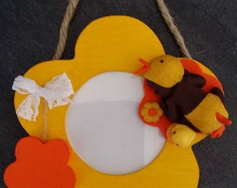"""""""Baby duck"""" picture frame of wood to hang from 14cm / 12cm"""