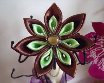 Anise kanzashi flower and chocolate on clip