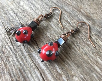 Ethnic earrings red and black
