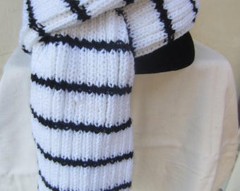 Black and white striped unisex scarf