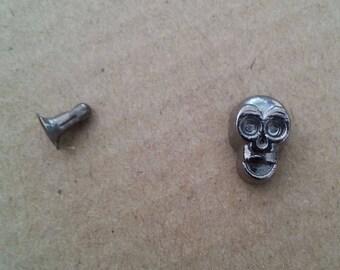 1 rivet 10 mm black metal skull studs