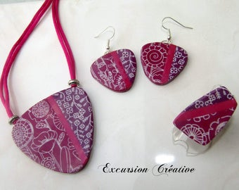 Parure pendant necklace, earrings and adjustable ring floral polymer clay pink and Eggplant Purple